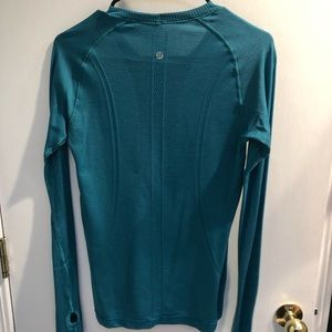 Lululemon long sleeve running shirt